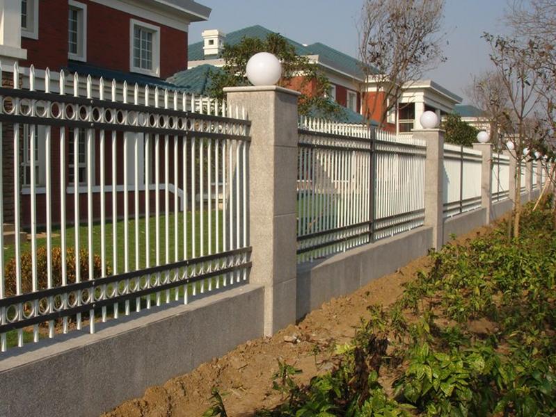 锌钢护栏网工程案例