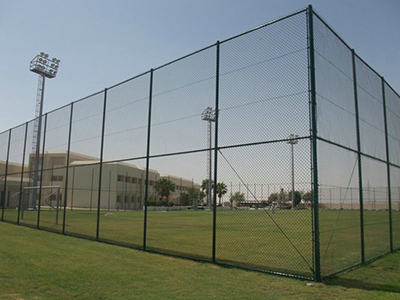 篮球场地围栏