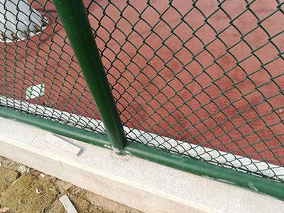 蓝球场地围栏